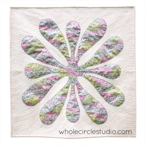 BIg Island Blossom mini quilt by Whole CIrcle Studio : Workshop taught by Sheri Cifaldi-Morrill | wholecirclestudio.com